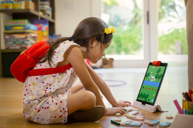 Osmo Coding teaches kids using blocks.