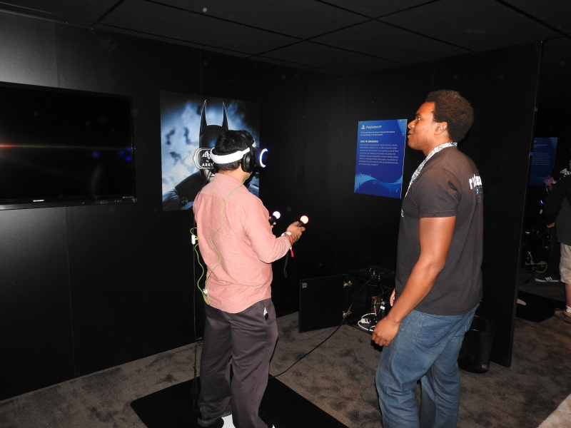 Dean Takahashi tries Batman Arkham VR at Warner Bros.' booth