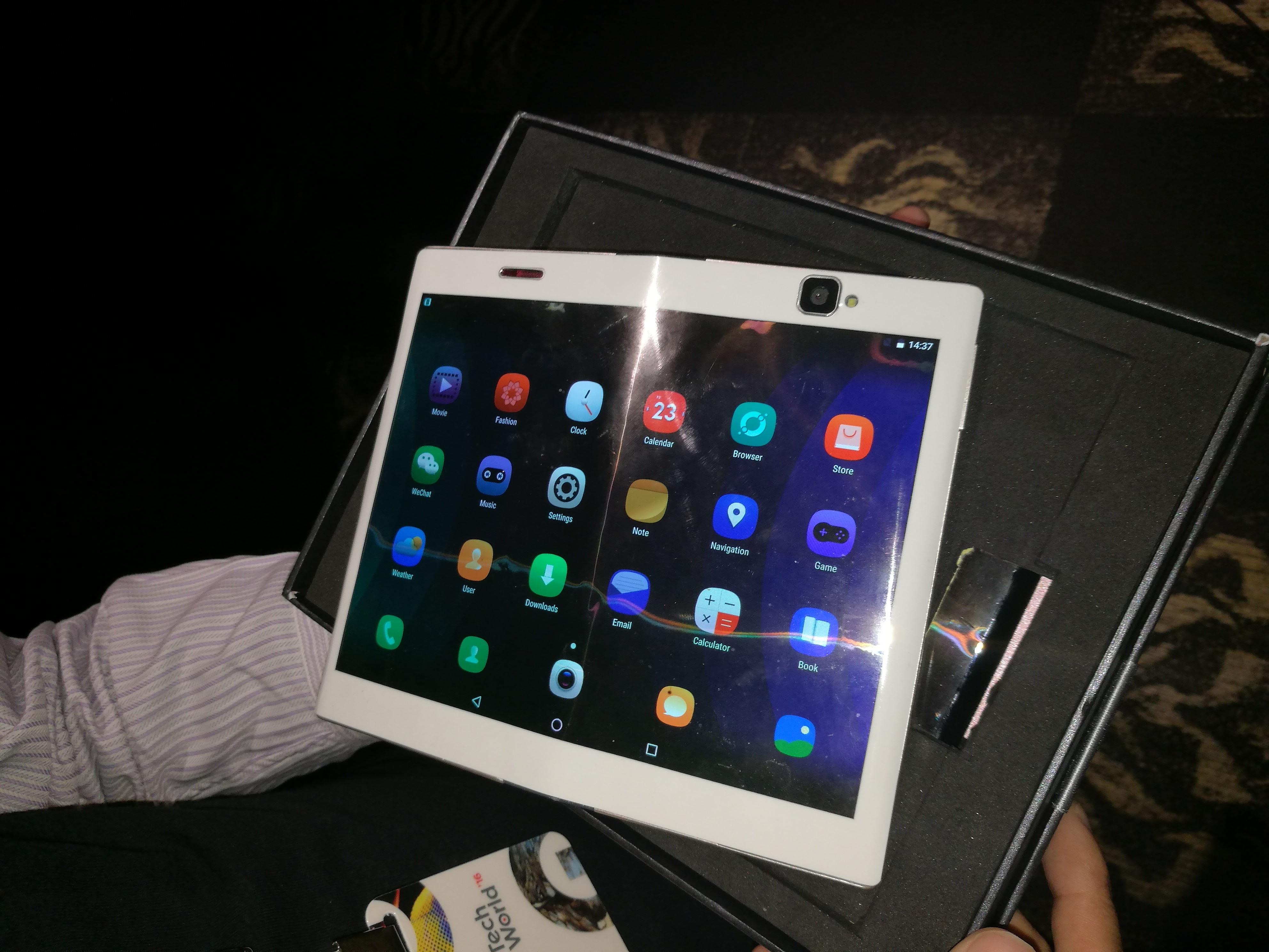 a closer look at lenovo 39 s foldable android tablet venturebeat. Black Bedroom Furniture Sets. Home Design Ideas