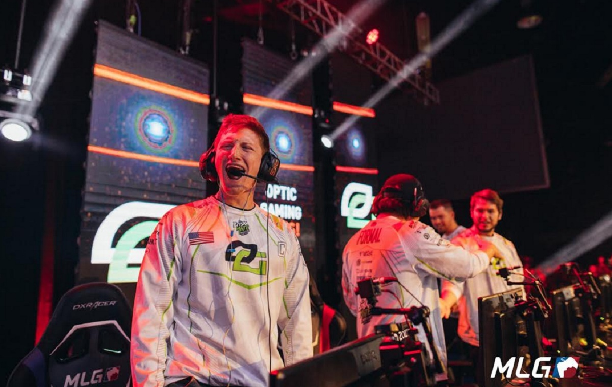 MLG features a Call of Duty esports battle.