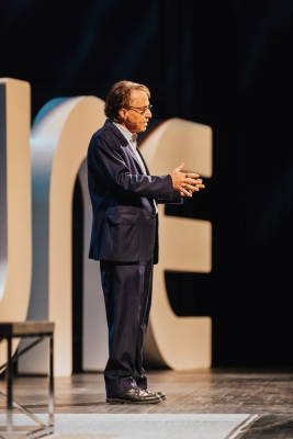 Ray Kurzweil keynoting at Postback 2016