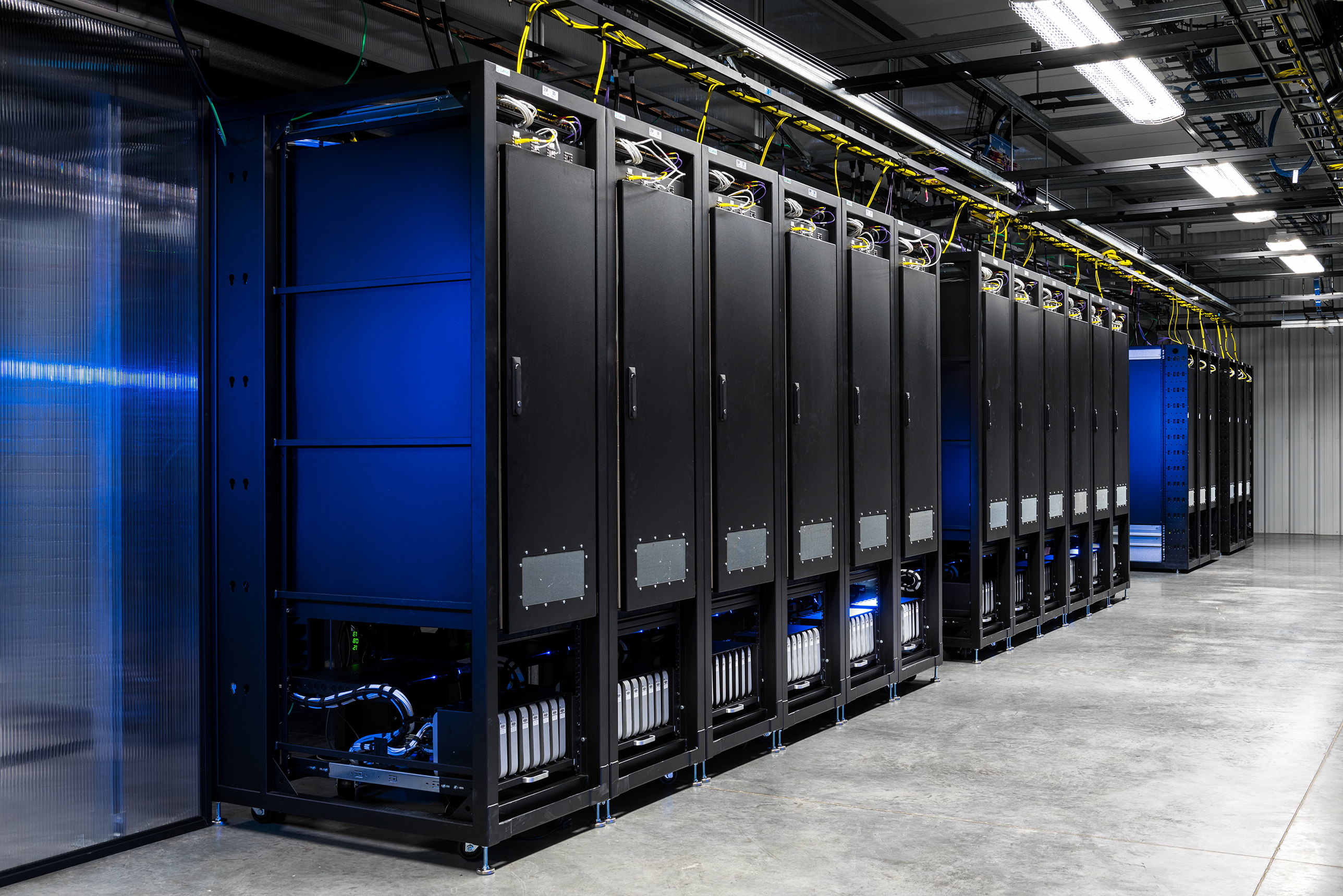 Facebook S Oregon Data Center Has A Lab With Nearly 2 000