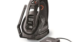 Plantronics Rig 800 has 24 hours of battery life for your marathon gaming sessions