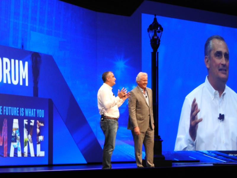 Brian Krzanich of Intel (left) and Jeff Immelt of GE talk about a smart lamp post.
