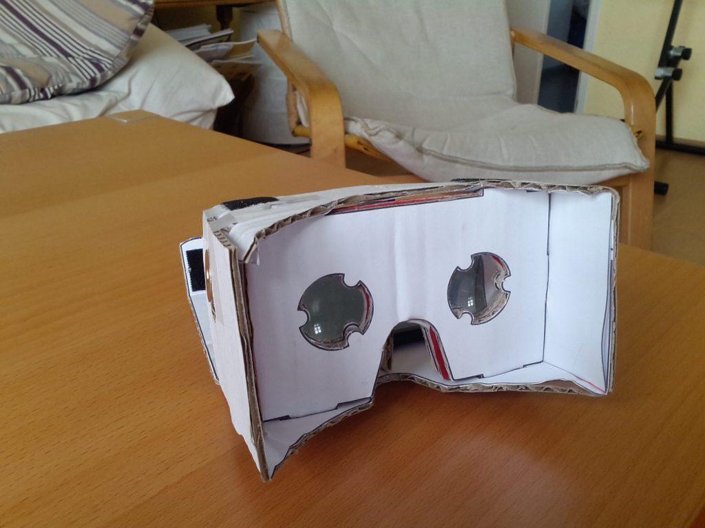 Pizza Box Cardboard HMD.