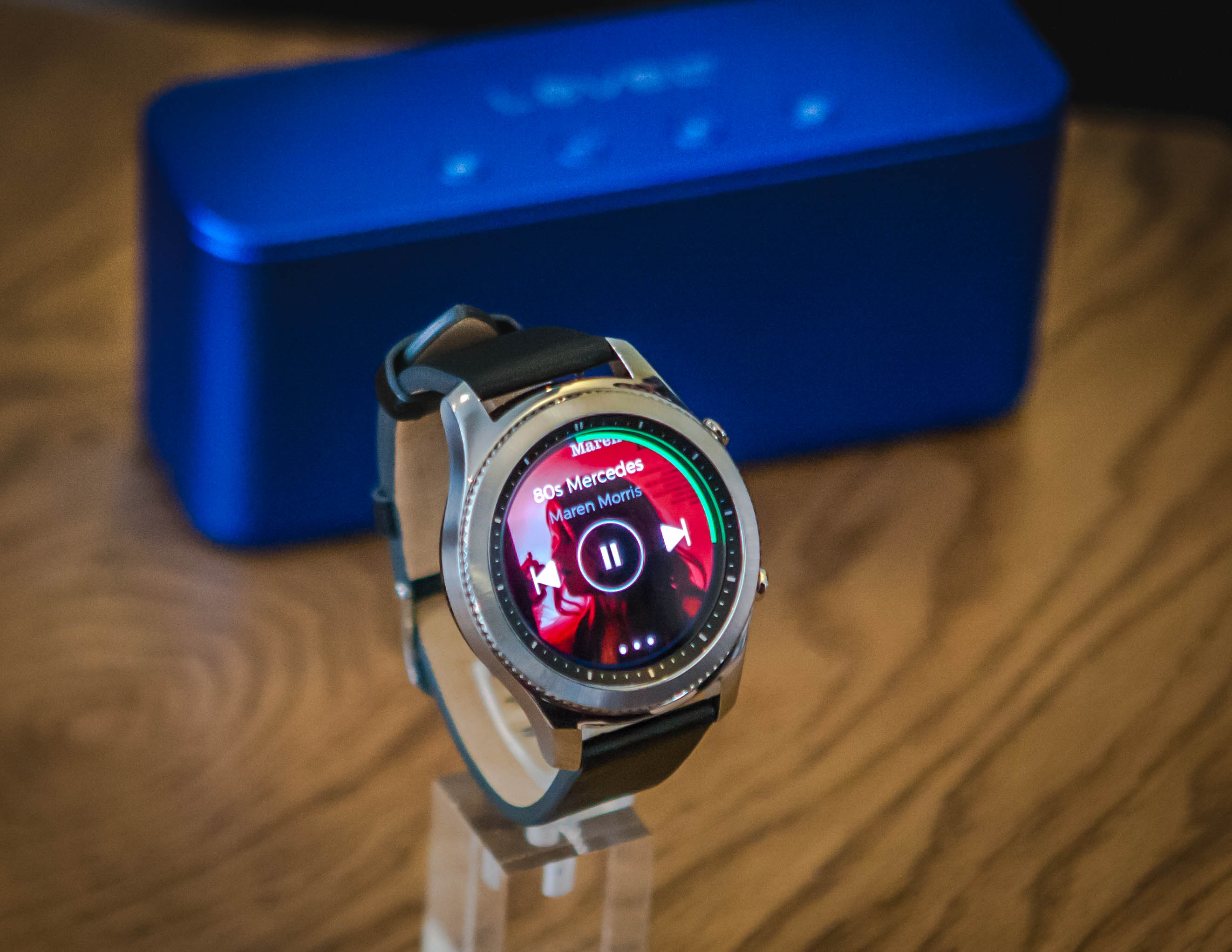 Playing Spotify music through the Samsung Gear S3 smartwatch
