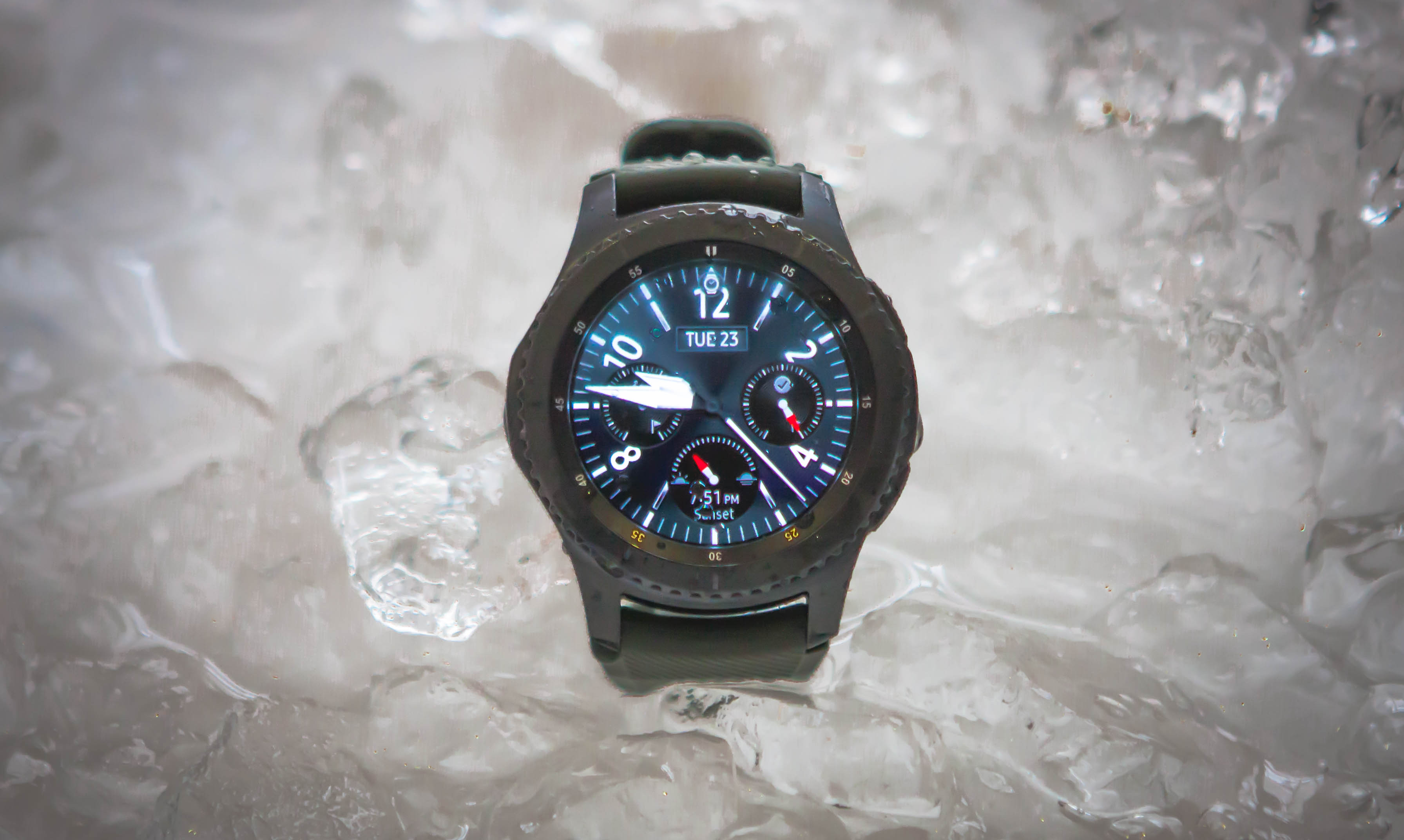 Samsung Gear S3 smartwatch immersed in dry ice
