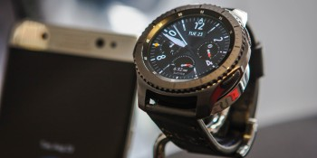 Samsung unveils Gear S3 Classic and Gear S3 Frontier smartwatches