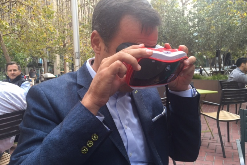 Jay Wright of Vuforia looks at a View-Master AR app.