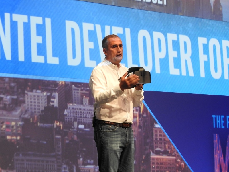 Intel CEO shows the Project Alloy all-in-one VR headset at IDF.