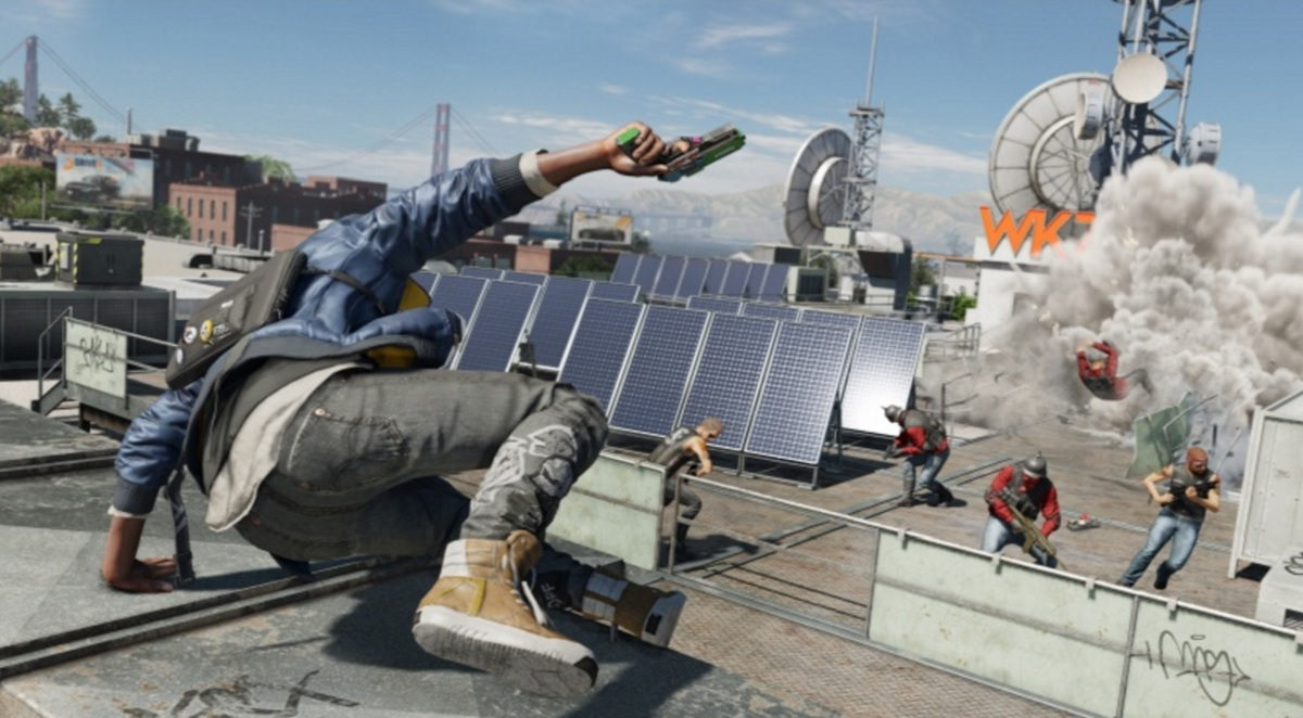 Taking on a gang on the rooftops in Watch Dogs 2.