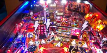 AC/DC rocks VR with Stern pinball table on Samsung Gear headset