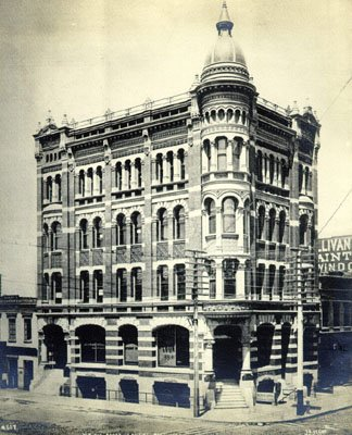 building-on-northeast-corner-of-front-and-california-1890