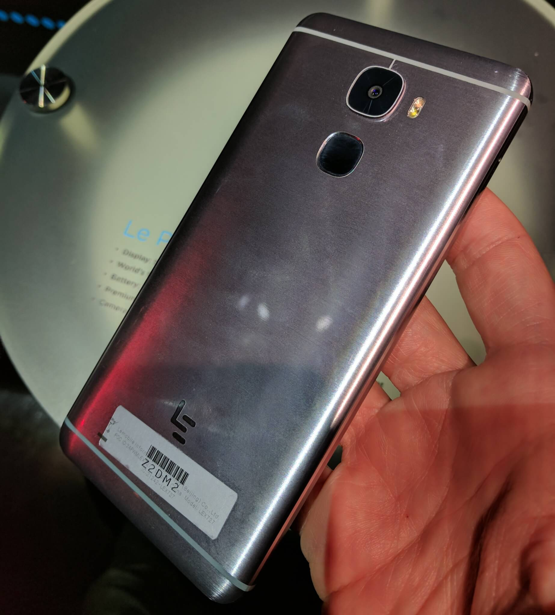 The back of the LeEco Le Pro3.