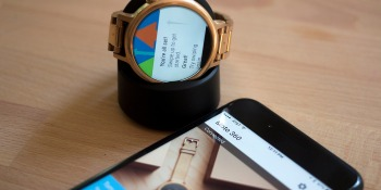 Smartwatch sales projected to grow 18% in 2017 as traditional watch industry suffers