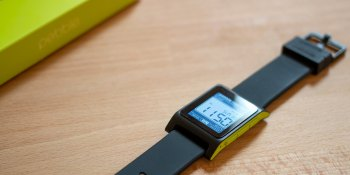 Apple Watch's holiday sales surge may have dealt the final death blow to Pebble
