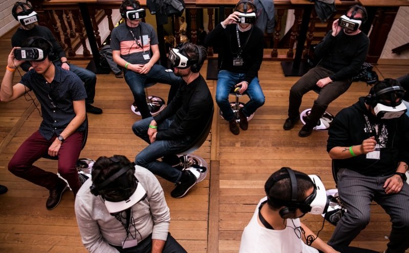 VR Days Europe attendees in demo mode