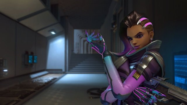 photo image Overwatch fan makes the ultimate Sombra gift for Secret Santa