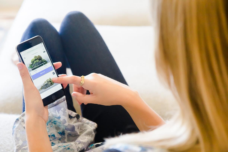Using the Eaze mobile app to select marijuana.