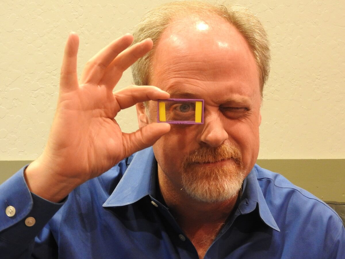 Above: Akonia CEO Ken Anderson Shows The Companyu0027s Holographic Display.