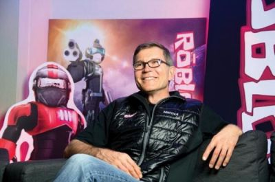At 10, Roblox surpasses 30 million monthly users and 300