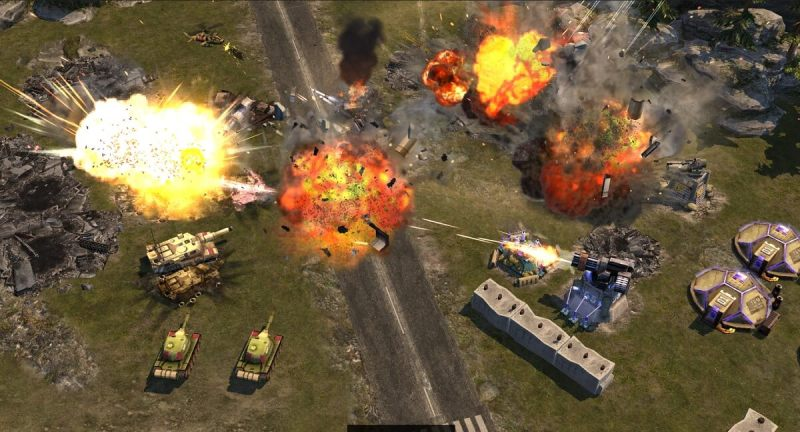 War Commander: Rogue Assault lets you take direct control of any unit.