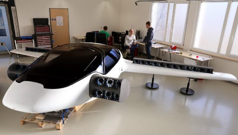 Full scale Lilium jet protoype