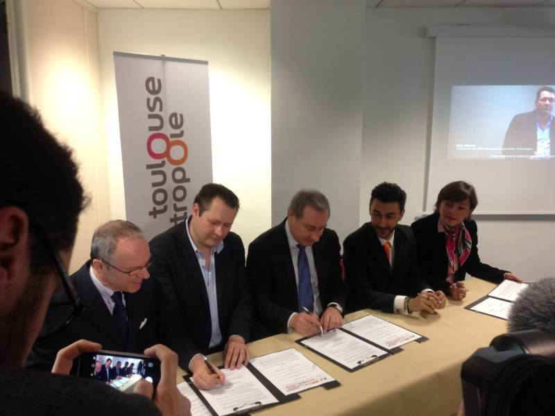 Local Toulouse officials sign deal with HTT.