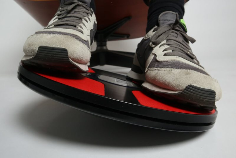 3dRudder Wireless lets you control your games and apps with your feet.