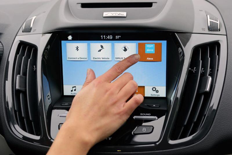 4 reasons Apple's CarPlay and Google's Android Auto still