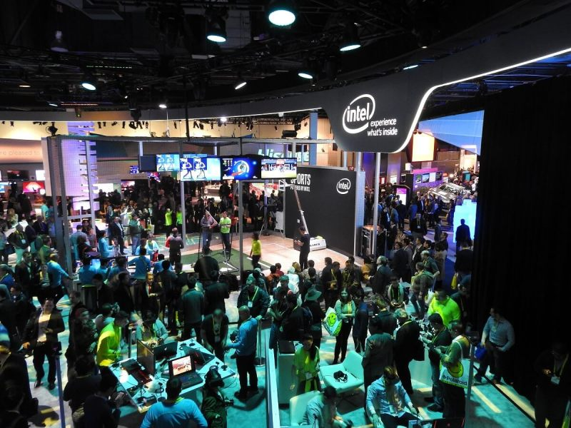ces-2017-2-intel-booth