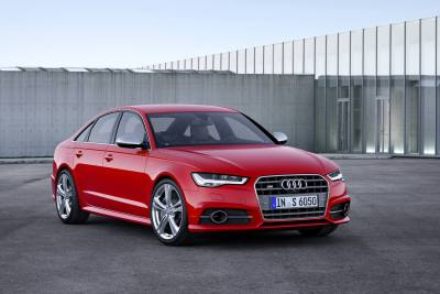 How Apple CarPlay In The Audi S Makes Driving Easier VentureBeat - Audi car play