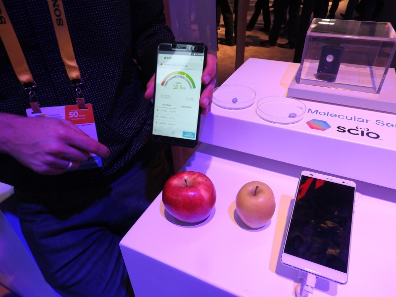 Changhong's H2 smartphone can identify a sweet apple and fake Viagra.