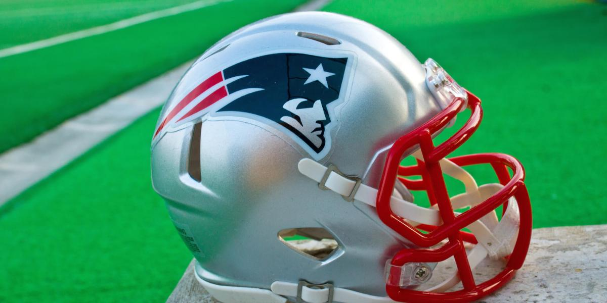 In the future, you can cheer for the Patriots or the non-Patriots team in VR!