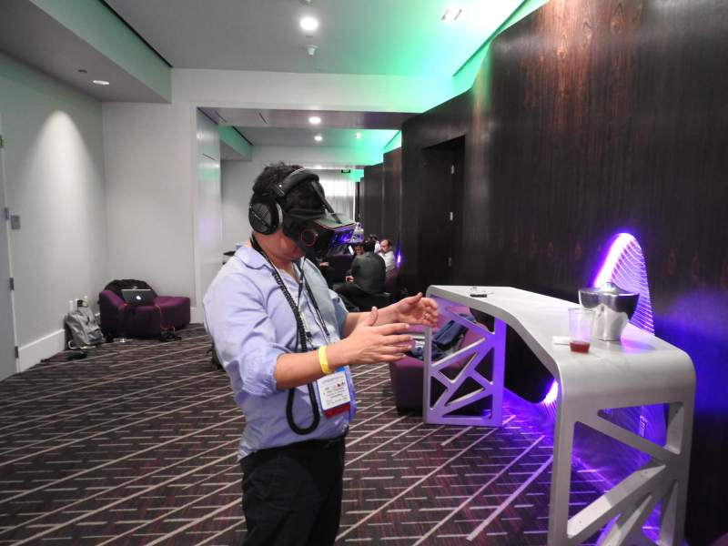 Dean Takahashi tries out Qualcomm's wireless VR headset at GDC 2017.