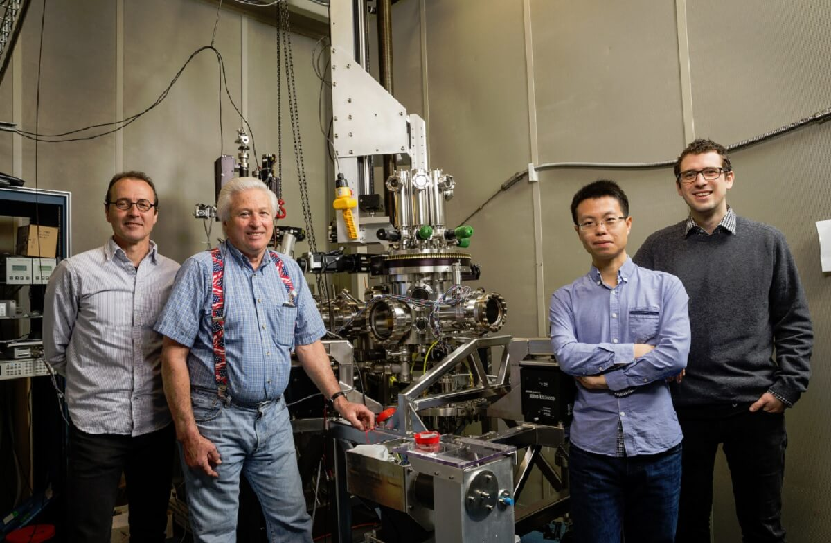 The team that stored a bit on a single atom.