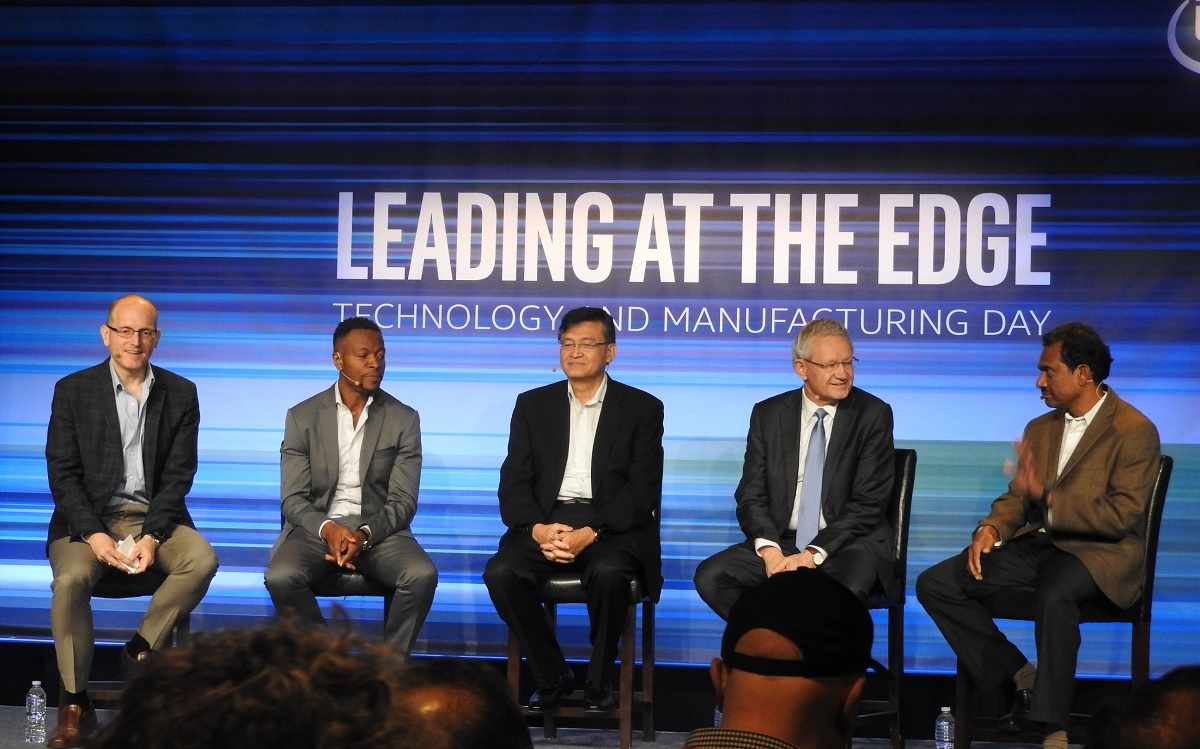 Intel Touts Manufacturing & Technology Leadership: Moore's Law Is Alive And Well