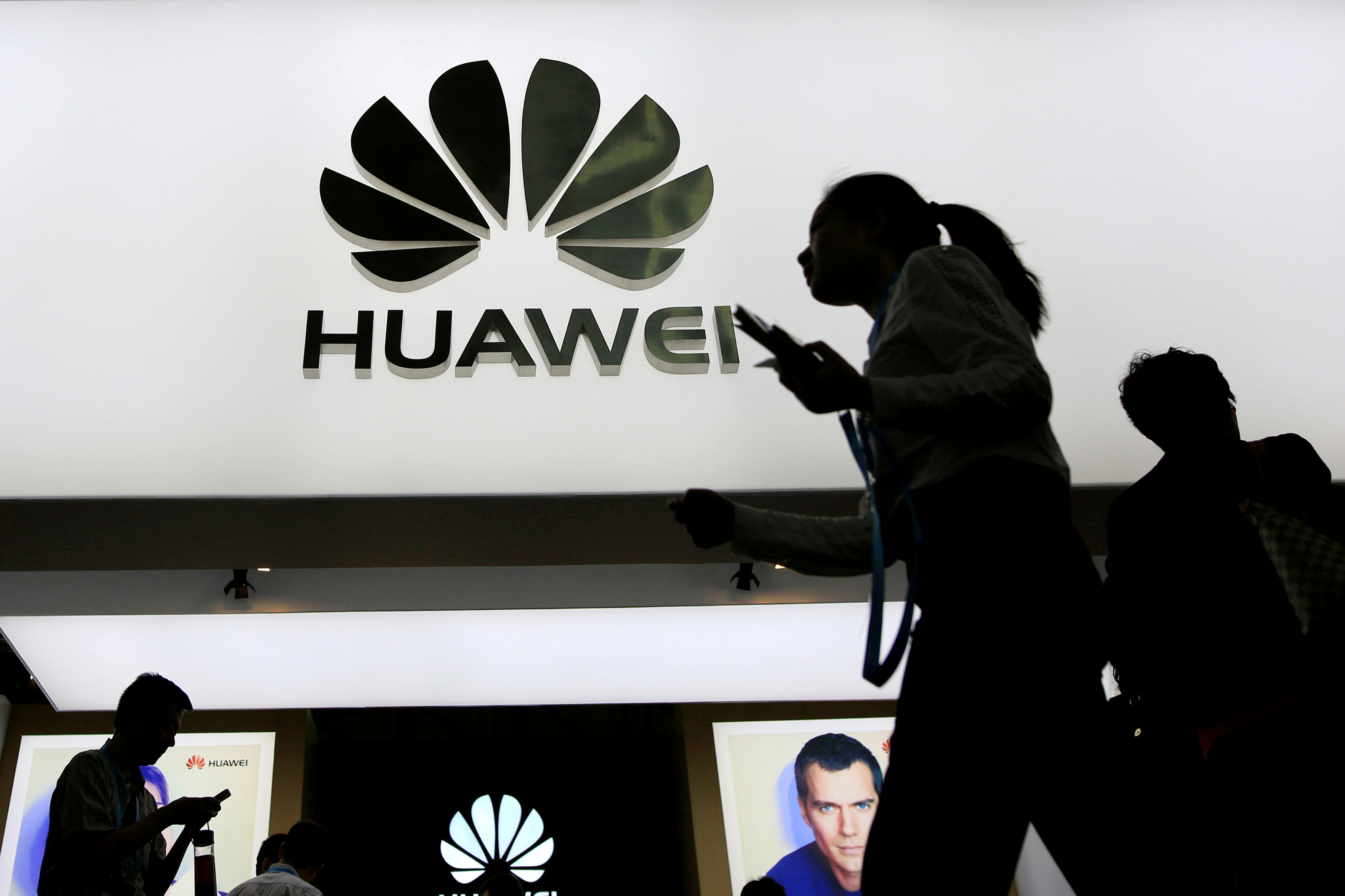 Huawei regains its position beats Oppo: Canalys