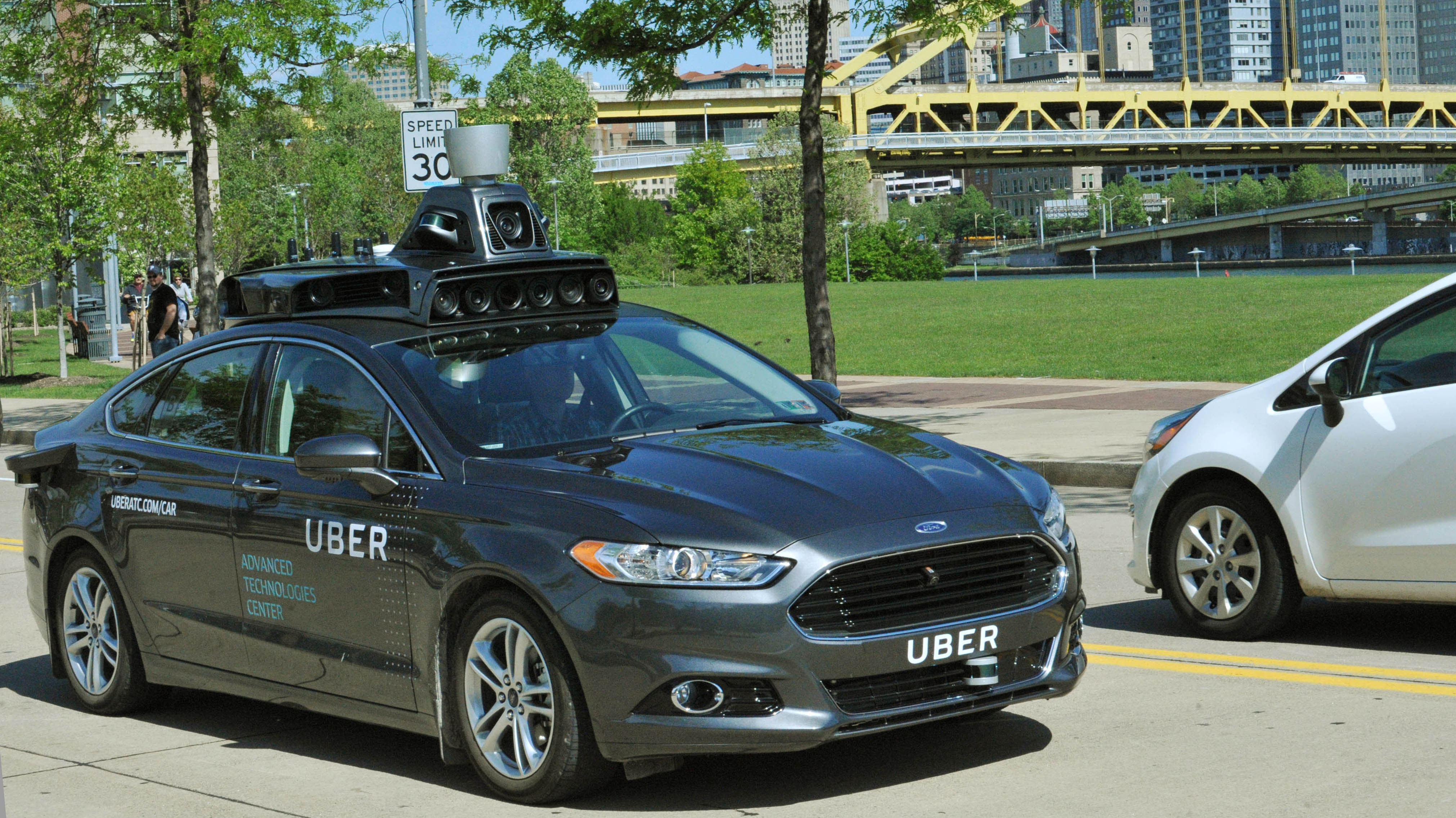Uber redeploys autonomous cars in Pittsburgh, but under human control