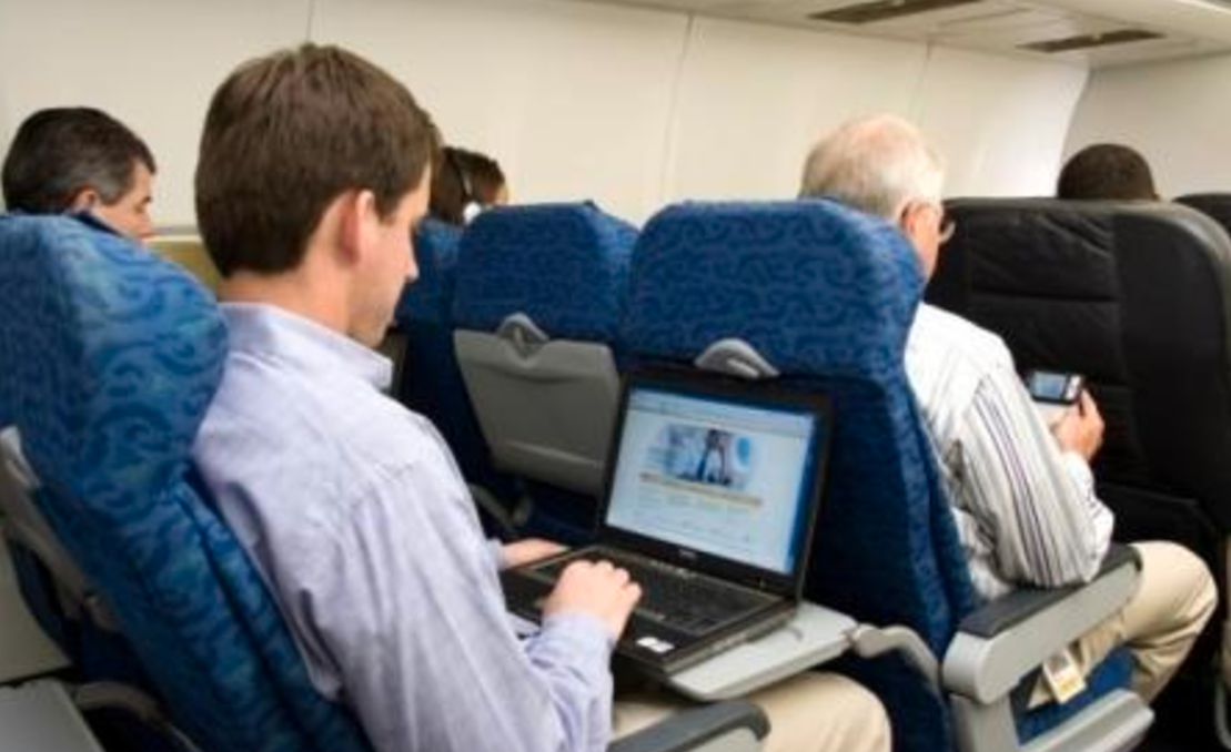 EU, US to review electronic device ban on flights