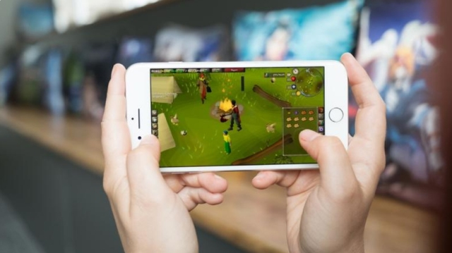 photo image Classic MMO RuneScape is coming to mobile