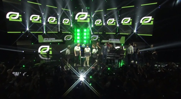 Optic Gaming wins the CWL in 2017.