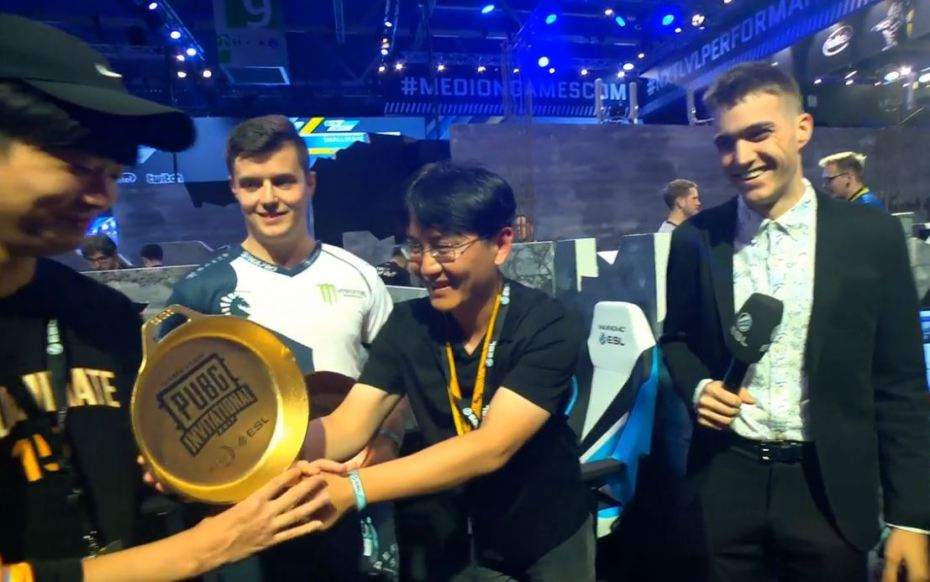 Top 13 Pubg Wallpapers In Full Hd For Pc And Phone: Gamescom PUBG Invitational Winners Get A Golden Frying Pan