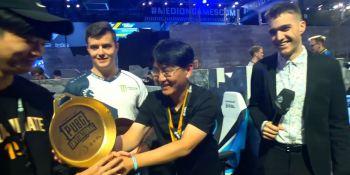 Gamescom PUBG Invitational winners get a golden frying pan trophy