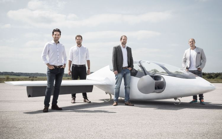 Founding team with the Lilium jet
