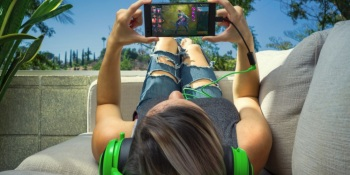 Razer unveils its smartphone for gamers with a 120-hertz display