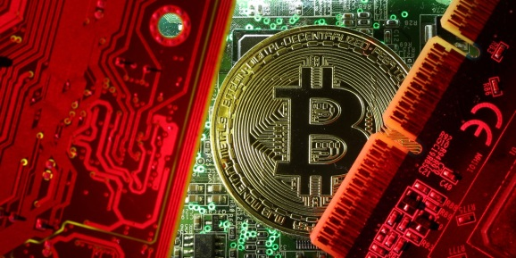 Bitcoin fever exposes cryptocurrency market weaknesses