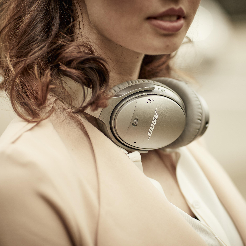 ab4015fae79 Google Assistant wireless headphones: Google Pixel Buds vs. Bose  QuietComfort 35 II   VentureBeat