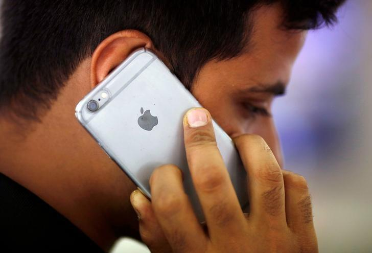 India?s import tax hike on electronics could hurt Apple most