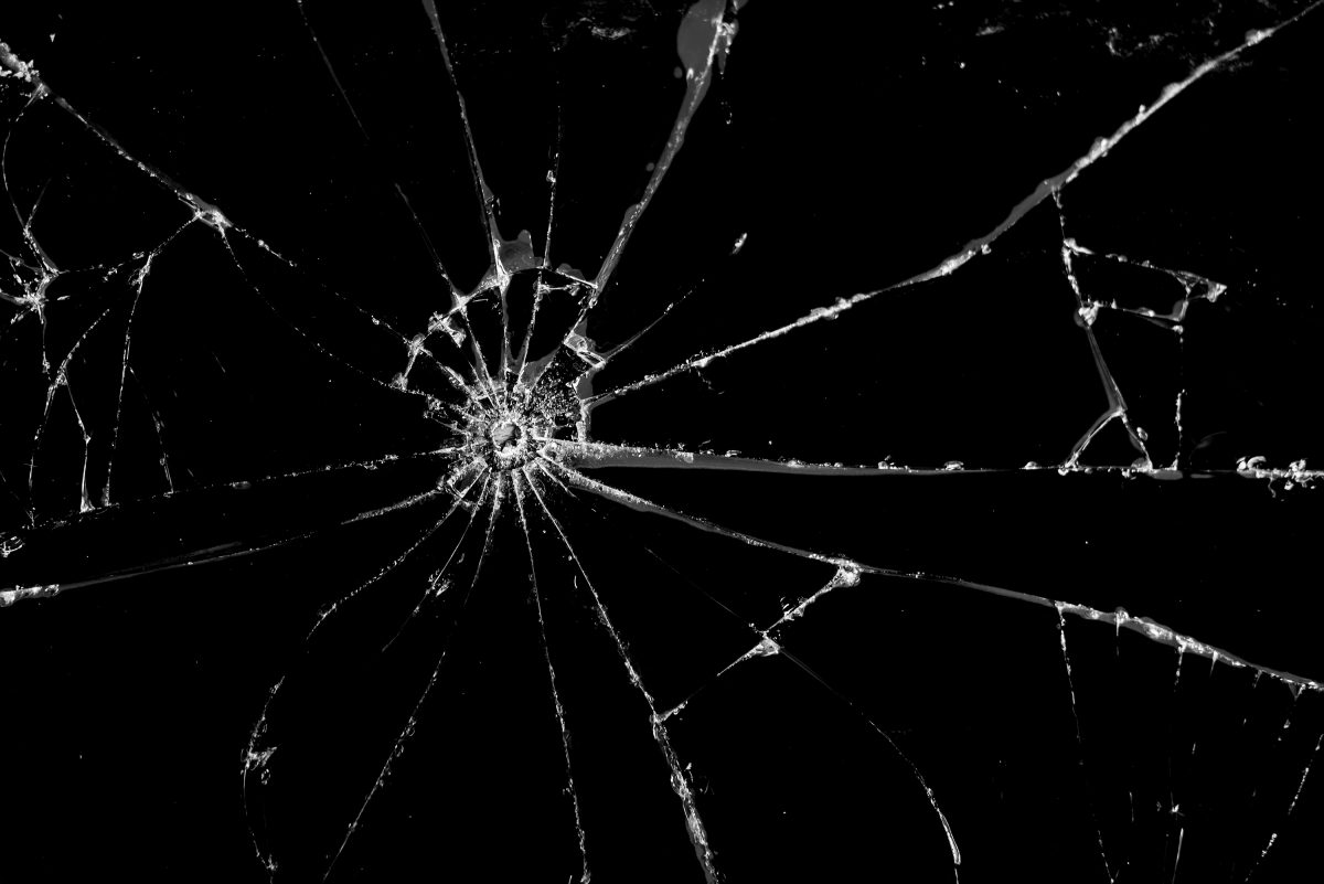 how to clean cracked glass screen